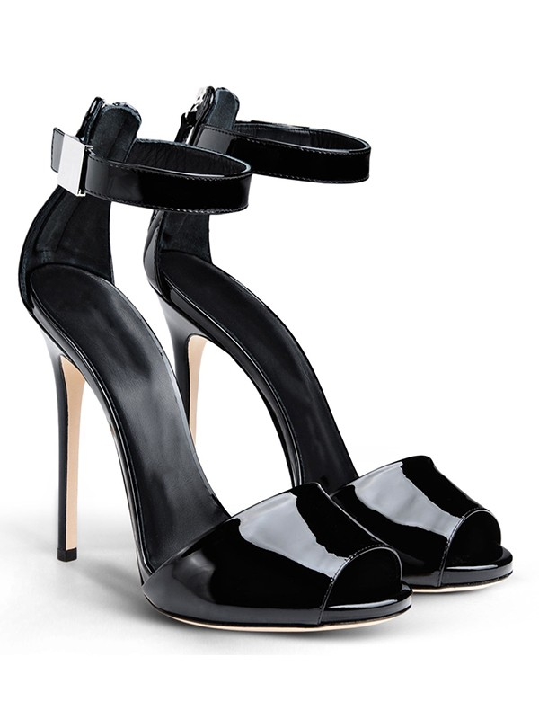 Kvinnors Patent Leather Peep Toe Stiletto Heel med Buckle Sandalsskor
